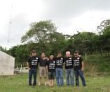 Operadores en el CQWWSSB 2010 ,parte de atras el stack de 20 metros